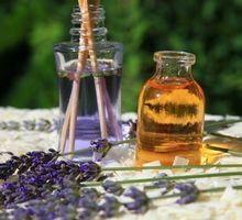 L'huile essentielle d'encens stimule le système immunitaire, agit en cas de bronchite, d'ulcère, de dépression nerveuse et permet également une régénération cutanée.