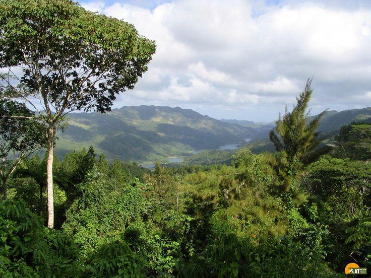 Die #SierraEscambray ist ein traumhaft schönes Gebirge in Zentral #Kuba. Die tropische Vegetation bietet eine artenreiche Flora und Fauna.