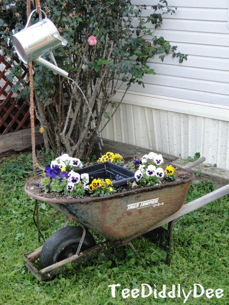 Make a Cute Garden Water Fountain/Pond Out Of a Wheelbarrow!