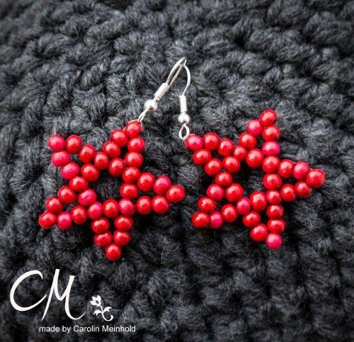 Ohrringe zu Weihnachten, Sterne aus roten Holzperlen