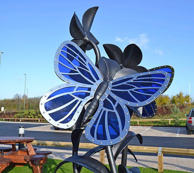 бабочки скульптуры в металле, общественное искусство цветок скульптуры