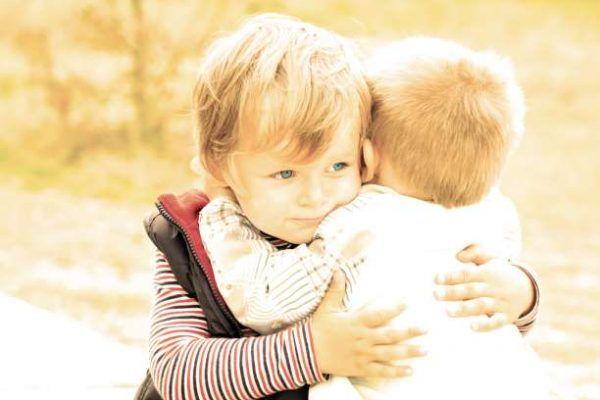 Γιατί δυσκολευόμαστε να κάνουμε σχέσεις; Γιατί δυσκολευόμαστε να κρατήσουμε μια σχέση; Γιατί μας απογοητεύει η αγάπη; Για να απαντήσουμε σε αυτά τα ερωτήματα θα χρειαστεί να διαλύσουμε κάποιους μύθους γύρω από τη φύση μας και την αγάπη και να δούμε την αλήθεια των πραγμάτων. Οι μύθοι για την αγάπη έχουν χτιστεί από την κοινωνία μας. …