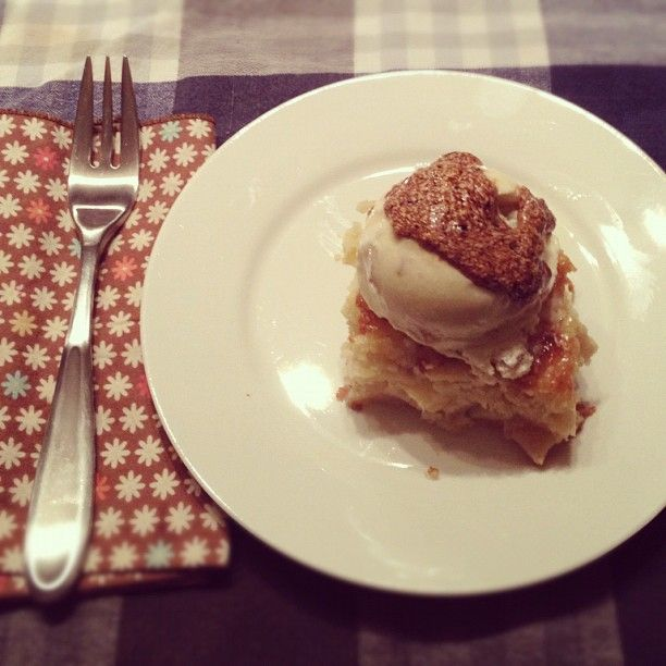 Ginger ice cream, Apple cakes and Ice on Pinterest
