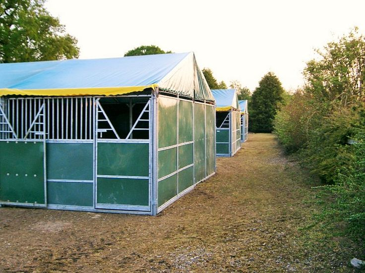 Hyppic temporary #stables set up in a field. Perfect temporary #stabling for competition #horses