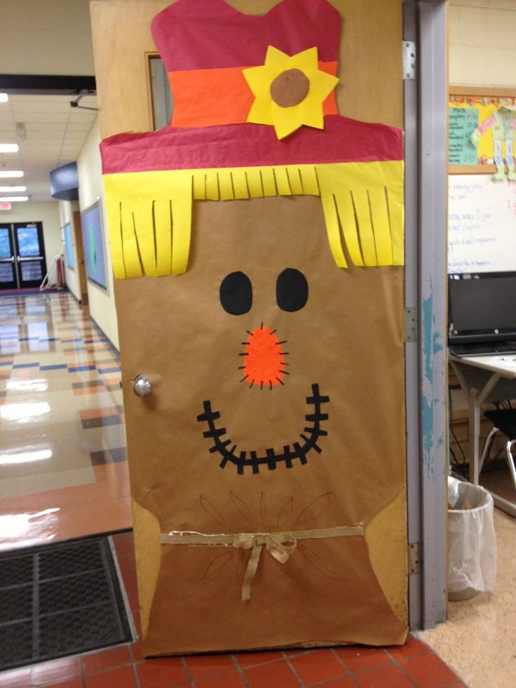 The 25 best fall school doors ideas on pinterest fall for Autumn classroom door decoration ideas