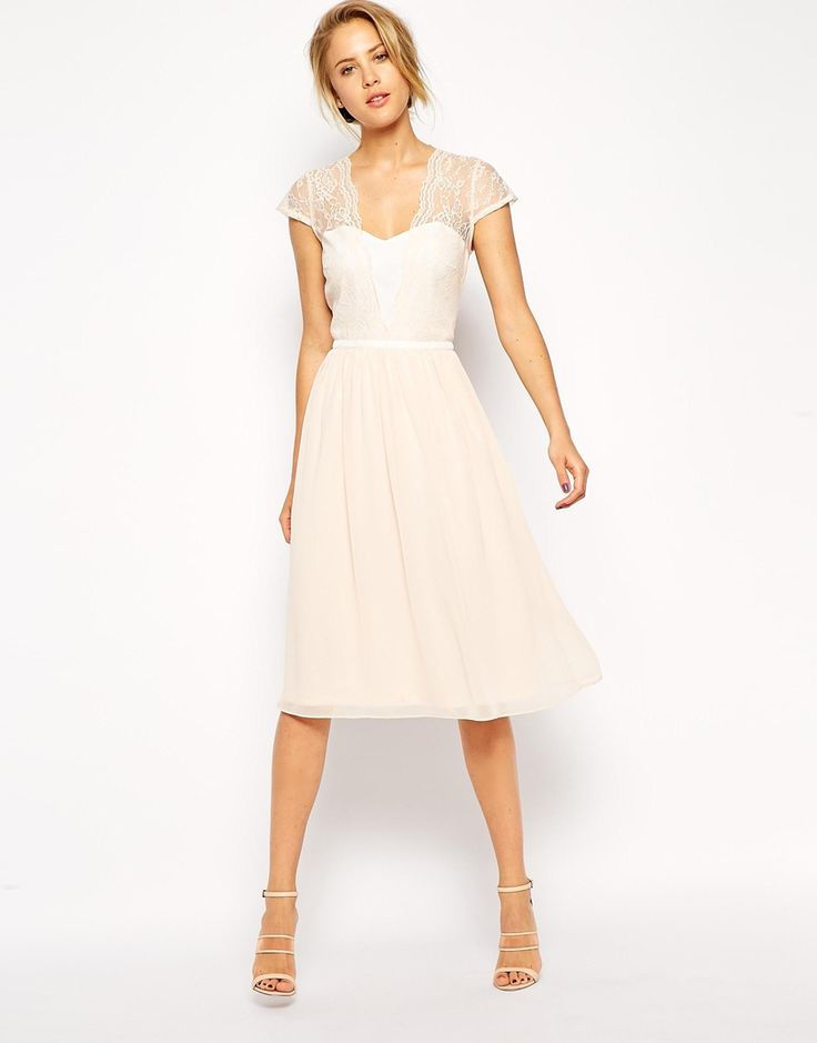 Sweet scallop lace sleeve dress for your reception