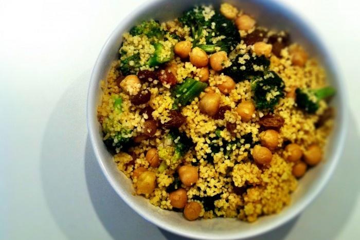 Couscous brocoli, raisins et pois chiches. Une recette minute et santé, à essayer!