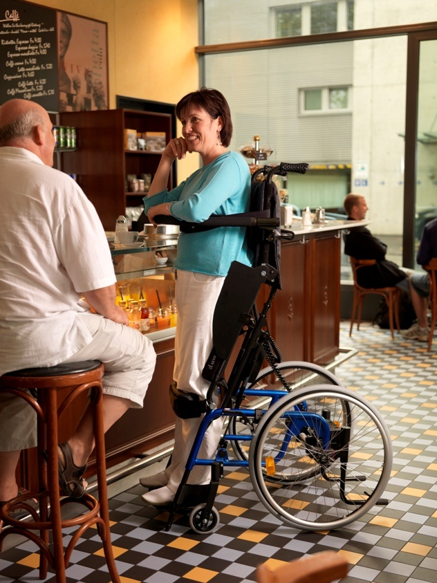 LCEV BY LEVO The manual wheelchair with electric standing functio