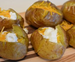 How to Bake Yukon Gold Potatoes | eHow