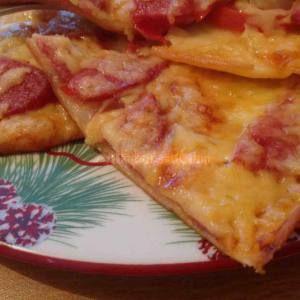 домашняя-тонкая-пицца