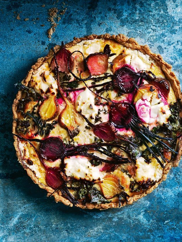 Quiche filled with beetroot, kale and goat's cheese.