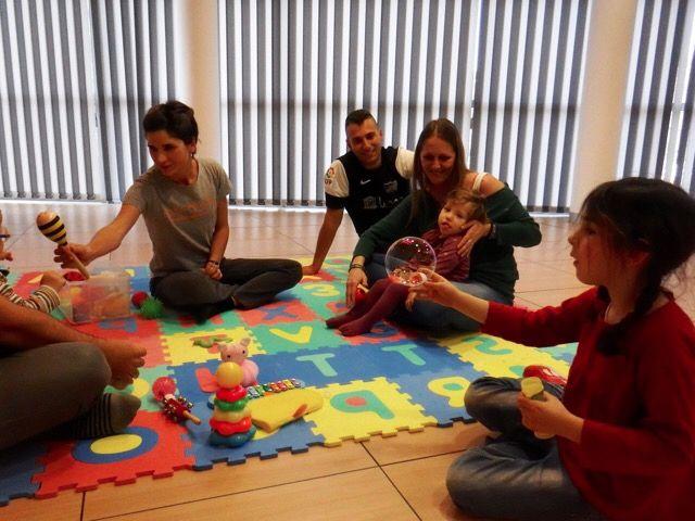 Searching for the movement! Niños que crecen felices