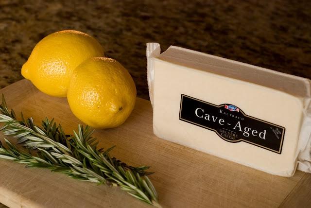 Rosemary Lemon Gruyere No-Knead Bread -- incredible!!! Great crisp ...
