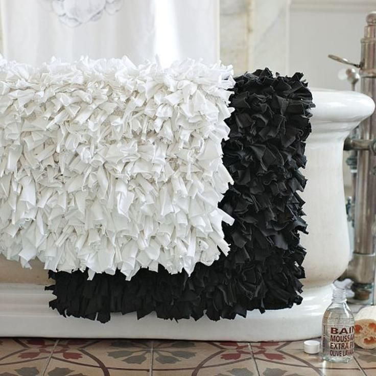 Great Idea For Old Towels Cut Strips 3 4 X6 And Knot Onto Hooking Canvas Can Use T Shirts Also Diy Pinterest Bath Mat