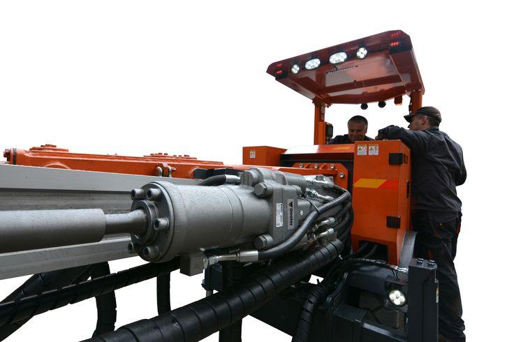 Doofor DF538L in an underground drill rig