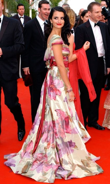 Penelope Cruz Wearing Valentino At Cannes Film Festival, 2005