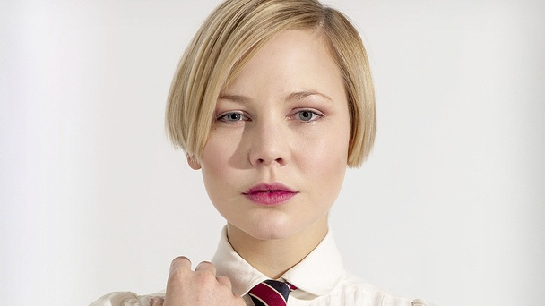 Adelaide Clemens as Valentine Wannop on Parade's End. Love her hair!