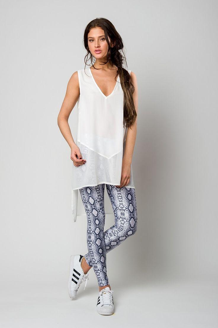 White asymmetric shirt with muslin