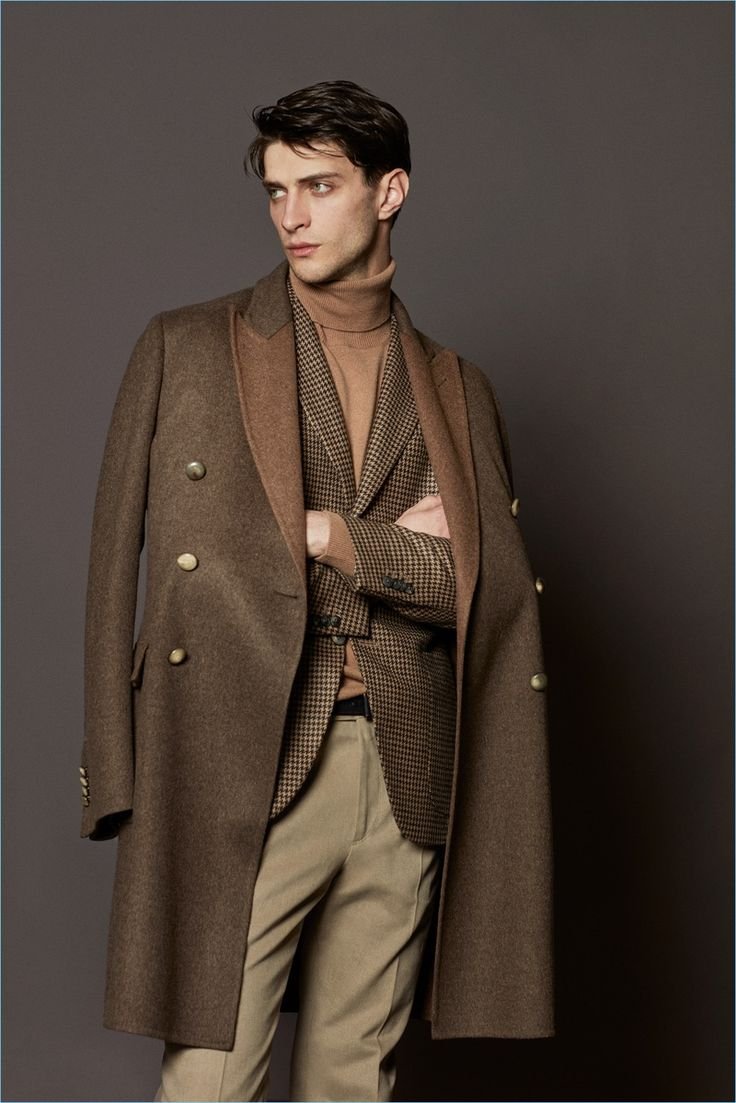 Earthy shades of brown come together for a sharp ensemble from Boglioli's fall-winter 2017 collection.