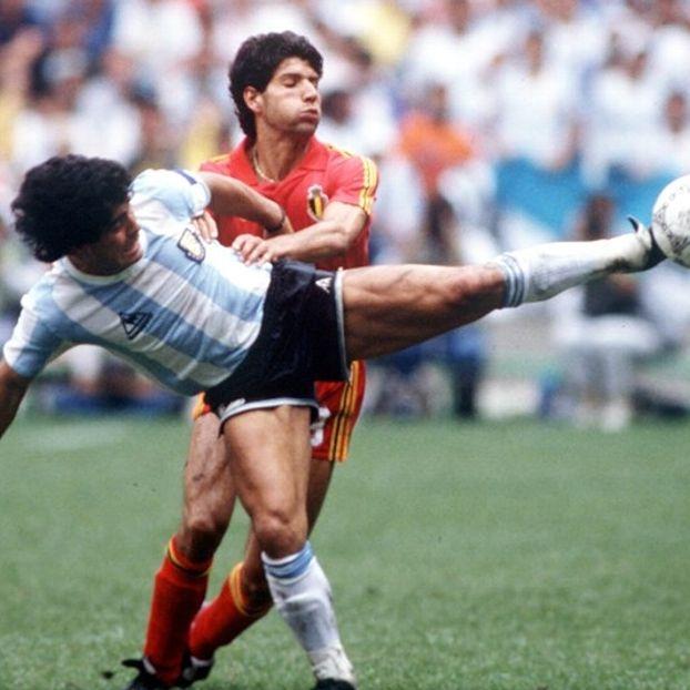 Diego #Maradona #Argenitna contro Vincenzo #Scifo #Belgio
