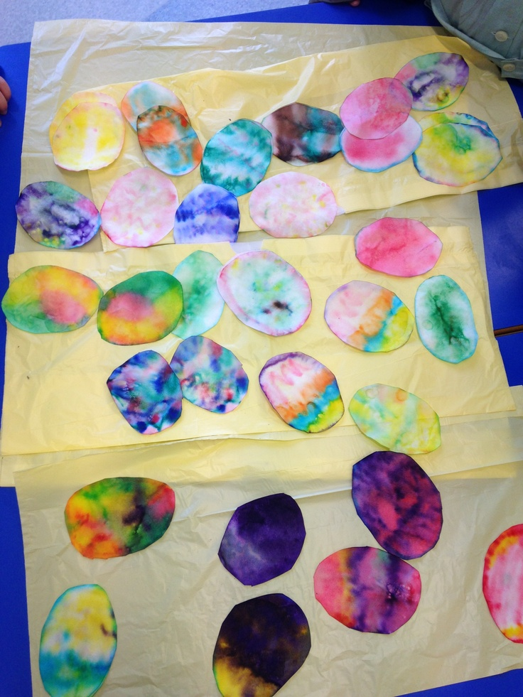Coffee filters, watercolor markers, water = Easter eggs! easy and great kindergarten craft