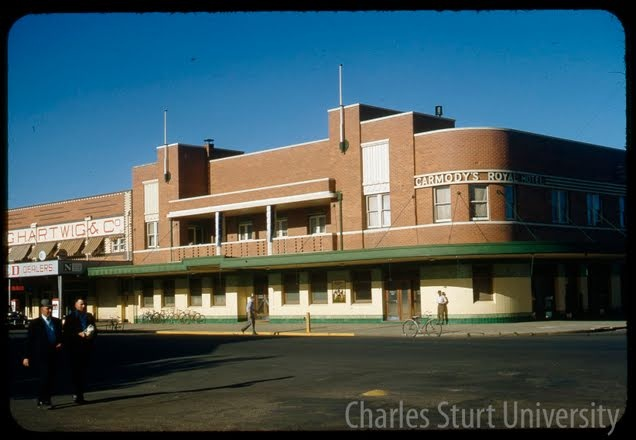 Carmody's Royal Hotel, Baylis St. Wagga Wagga 62 Forsyth Street, Wagga Wagga NSW 2650, Australia 1955 - 1965