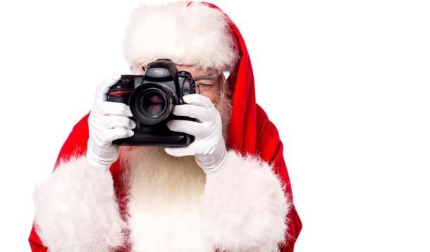 From the mobile enthusiast to the DSLR pro, these are the perfect gifts for photographers of every level.