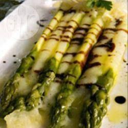 Asperges vertes et écrasé de pommes de terre @ allrecipes.fr