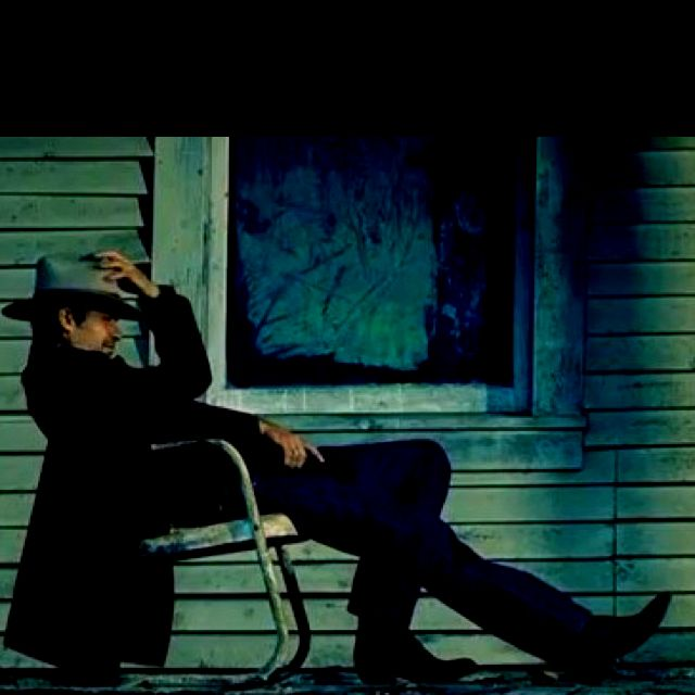 So pretty. Timothy Olyphant as Raylan Givens.