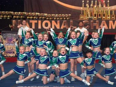 good site (minus the spelling errors) with lots of good tips and advice for pee wee cheer