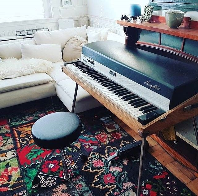 Take a look at these #FenderRhodes right here  (repost from @matteoiannella)   #fender #rhodes #fenderrhodes #epiano #electric #piano #baby #mark #one #alonetime #studying #repost #electricpiano #vintagepiano #vintagekeyboard #MK1 #instapiano #instamusic