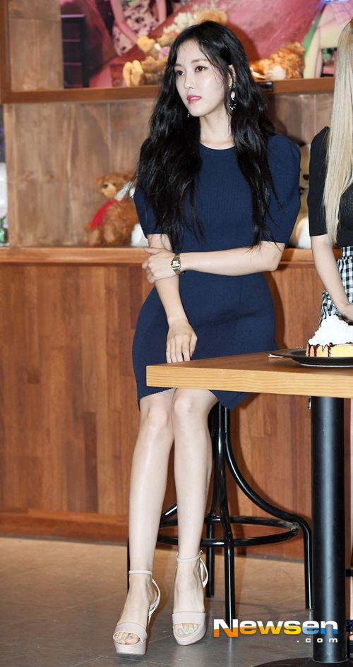 티아라 효민 '앉아있어도 돋보이는각선미~'