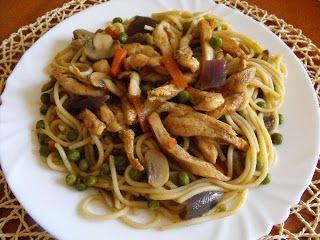 Ildikó receptjei: Kínai sült tészta zöldséggel és hússal