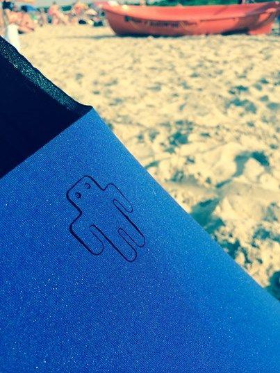 Chabrowa się plażuje.