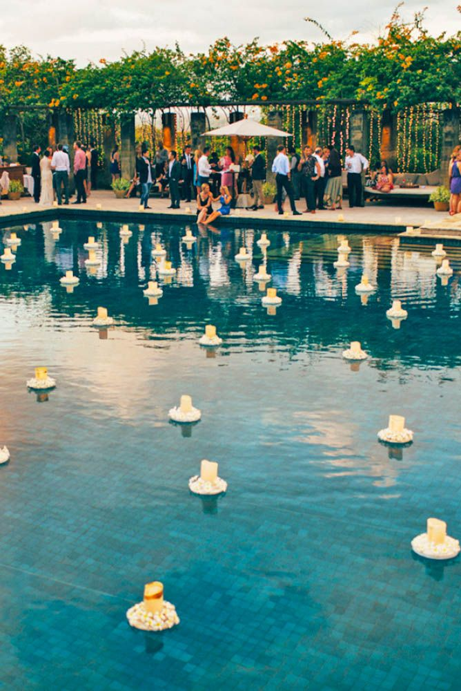 21 wedding pool party decoration ideas for your backyard for Garden pool party