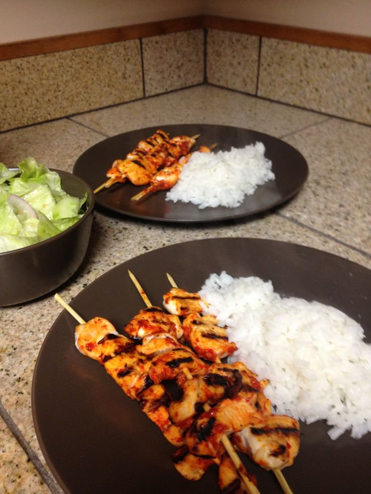 http://medeika.blogspot.com/2013/07/chili-garlic-and-lime-chicken-satay.html from Ripped Recipes