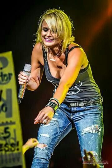 http://3-week-diet.digimkts.com/ I will look awesome this year! Miranda Lambert August 22nd Virginia Beach! Best concert I have ever been to!