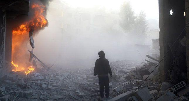KIBLAT.NET, Damaskus – Observatorium Hak Asasi Manusia Suriah menyatakan, jet tempur rezim Assad kembali melakukan serangan di wilayah Ghouta timur dan Aleppo yang dikuasai pejuang oposisi. Dalam serangan di Ghouta timur (pinggiran Damaskus), angkatan udara Rezimmenewaskan 13 orang, termasuk tiga perempuan dan dua bocah. Sementara itu, Media Center Aleppo juga memaparkan bahwa serangan udara Assad …
