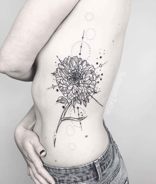 20 Beautiful Aster Flower Tattoo Designs Pictures Flowers Flowertattoo Flowergirl Aster Flower Tattoos Flower Tattoo Designs Tattoos