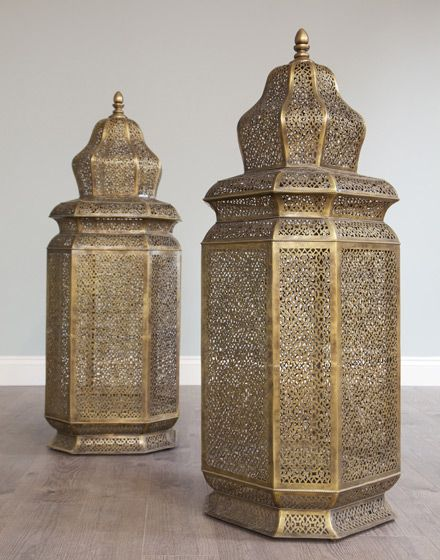 Moroccan ceiling lantern google morrocan for Moroccan wallpaper uk