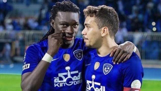 مشاهدة مباراة الهلال والحزم بث مباشر اليوم 29 8 2020 في الدوري السعودي Soccer Field Soccer Sports