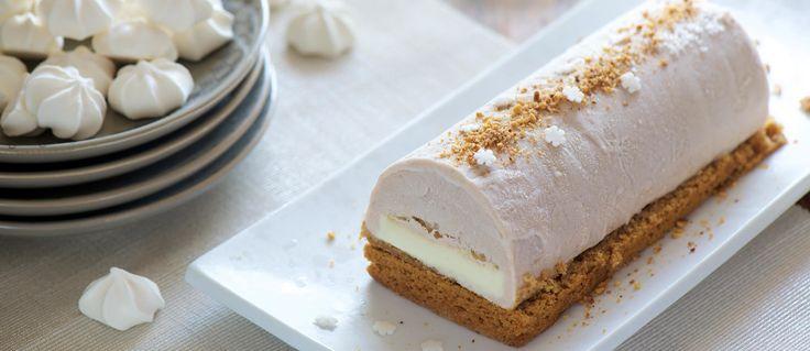 Un délicat dessert pour fêter Noël en famille ou entre amis, gourmand grâce à la crème de marron et à son insert de ganache au chocolat blanc et simple à réaliser, bien que comprenant plusieurs étapes....