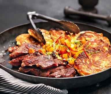 Recept: Grillad luffarstek med majsplättar och rostad ananassalsa