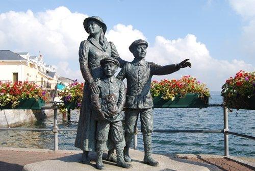 Annie moore statue cobh ireland cobh ireland for Yard statues las vegas