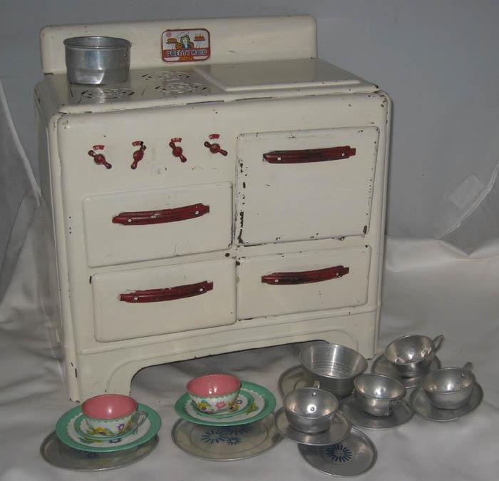 Oven Kitchen Set: Antique Marx Pretty Maid Kitchen Set Oven With Tin Plates