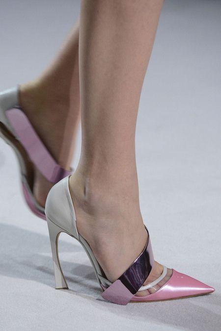 //Christian Dior