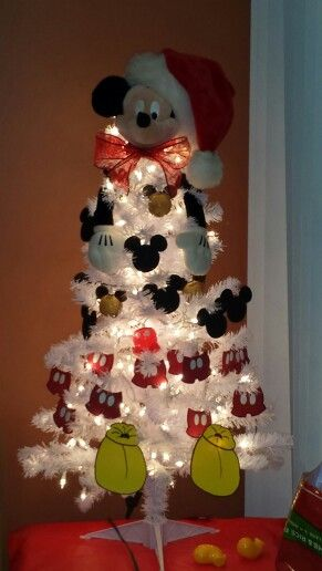 Had fun making my Mickey Mouse Christmas Tree. Love The Mouse!