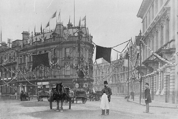 Here we see floral decorations at the junction of St James' Street, the Wardwick and the Strand for Queen Victoria's visit to Derby in 1891. Just think how much different this junction looks today! Read more at http://www.derbytelegraph.co.uk/12-photos-which-show-derby-in-all-its-victorian-glory/story-29763632-detail/story.html#KaJtrFSKhH1TzRoH.99