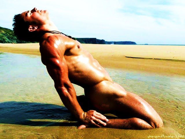 portland yoga hot woman