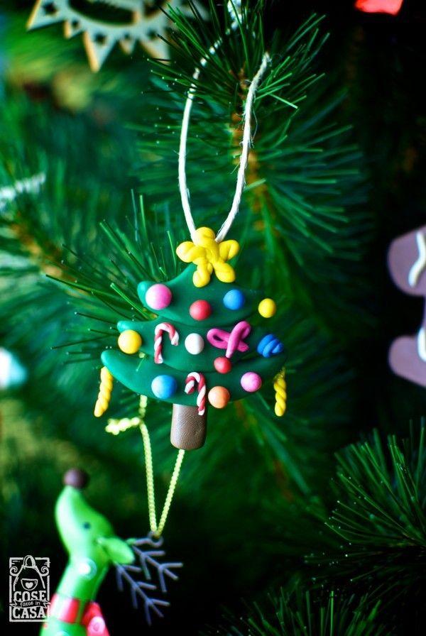 Ecco come decorare e colorare l'albero di Natale: decorazioni di pasta polimerica!  Here's how to decorate and color the Christmas tree: polymer clay decorations!  #polimer #tree #christmas #diy #home #handmade